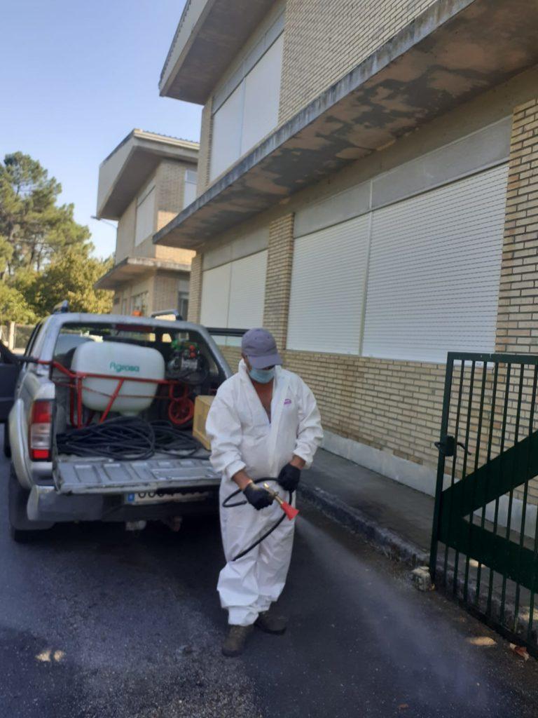 Desinfección Colexio Cartelle